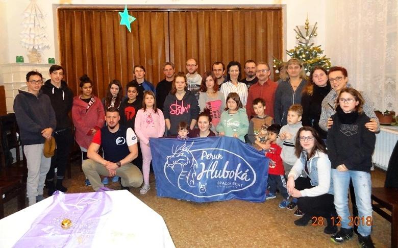 Den návštěvy nastal a společně jsme vyrazili směr Nová Ves u Chotěboře za  dětmi předat náš vánoční dar. Po příjezdu k dětskému domovu nás uchvátil  pohled na ... cc663cd970